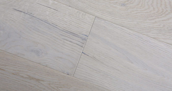 Porcelain Oak Lacquered Engineered Wood Flooring - Descriptive 4