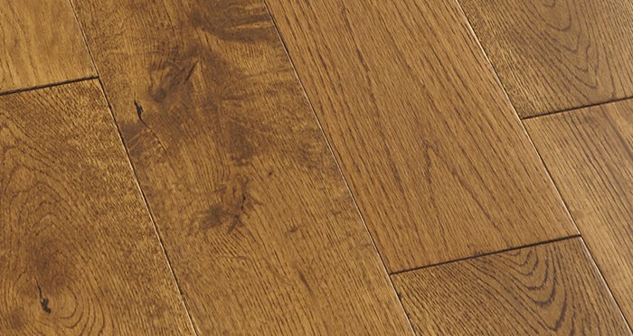 Penthouse Golden Oak Lacquered Engineered Wood Flooring - Descriptive 4