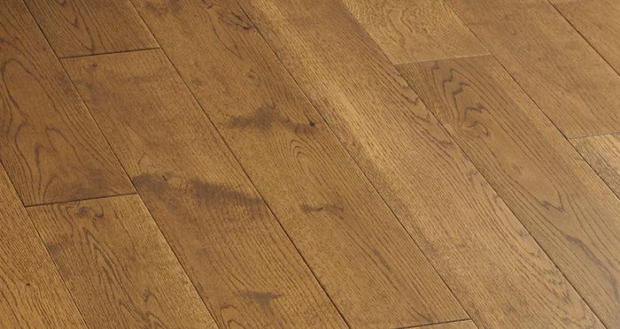 Penthouse Golden Oak Lacquered Engineered Wood Flooring - Descriptive 5