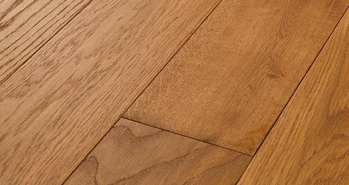 Deluxe Golden Oak Solid Wood Flooring - Descriptive 1