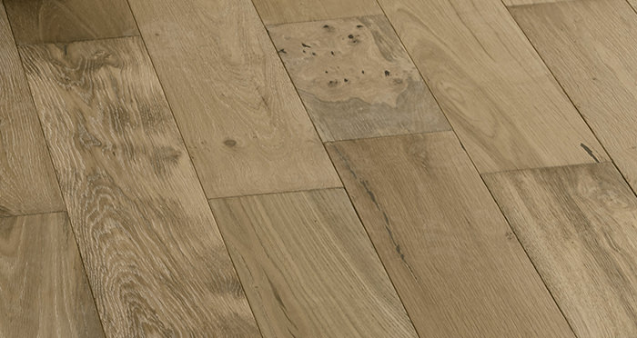 Loft Bavarian Oak Brushed Oiled & Smoked Engineered Wood Flooring - Descriptive 6