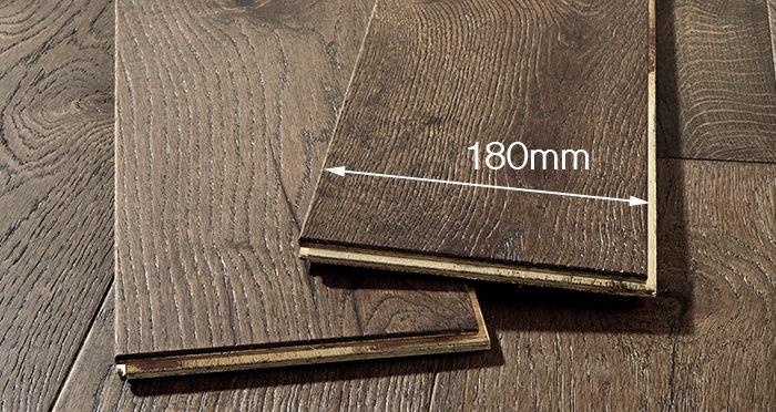 Manhattan Aged Cottage Oak Brushed & Lacquered Engineered Wood Flooring - Descriptive 3