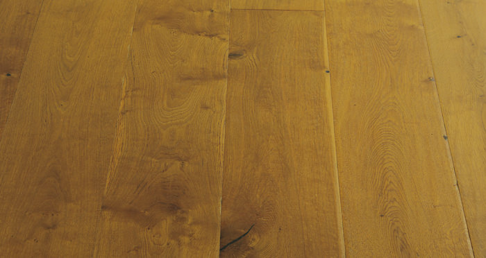 Chantilly Golden Oak Brushed & Oiled Engineered Wood Flooring - Descriptive 5