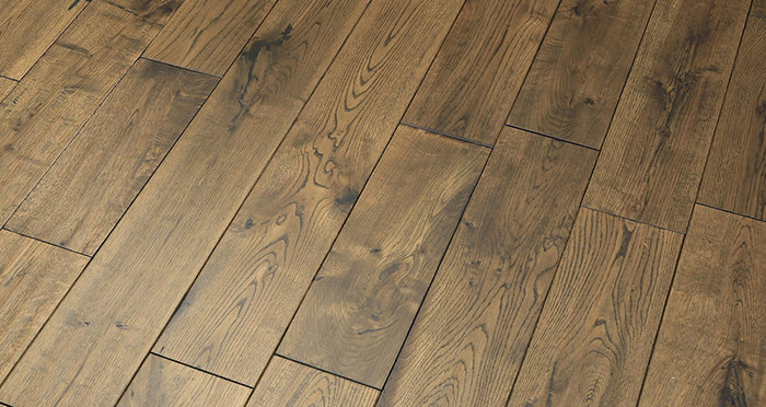 Handscraped Whiskey Oak Solid Wood Flooring - Descriptive 2