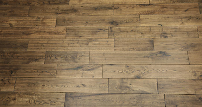 Handscraped Whiskey Oak Solid Wood Flooring - Descriptive 3