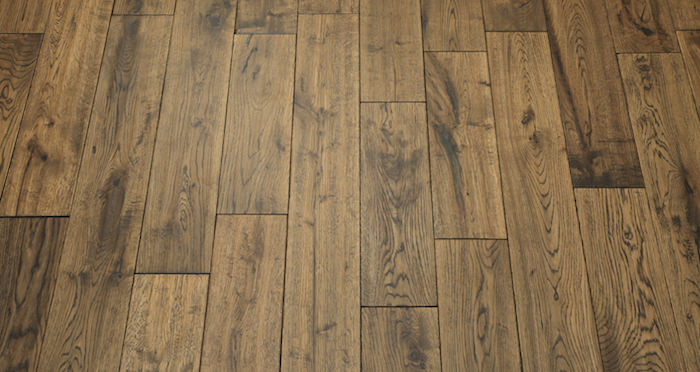 Handscraped Whiskey Oak Solid Wood Flooring - Descriptive 5