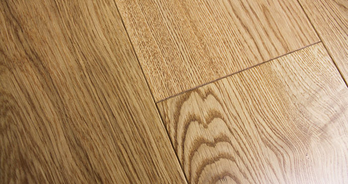 Rustic Cottage Oak Lacquered Engineered Wood Flooring - Descriptive 4