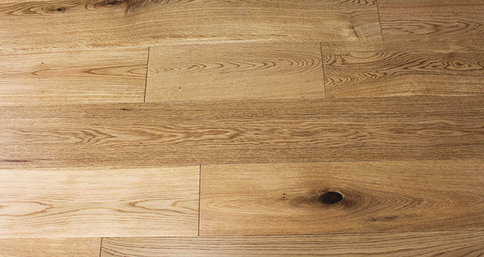 Rustic Cottage Oak Lacquered Engineered Wood Flooring - Descriptive 7