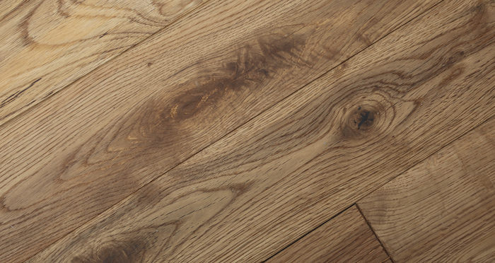 Natural Oak 90mm Brushed & Oiled Solid Wood Flooring - Descriptive 3