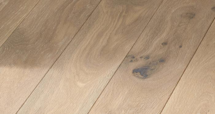 Elegant Frosted Oak Brushed & Oiled Solid Wood Flooring - Descriptive 2