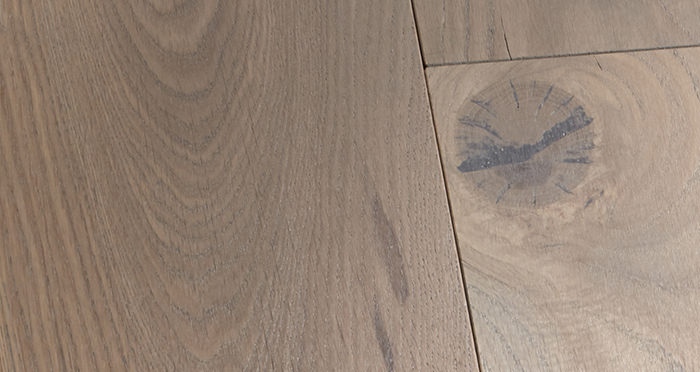 Prestige Silk Grey Oak Solid Wood Flooring - Descriptive 2