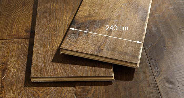 Old Castle Oak Lacquered Engineered Wood Flooring - Descriptive 6