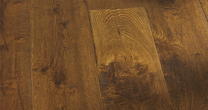 Old Castle Oak Lacquered Engineered Wood Flooring - Descriptive 8