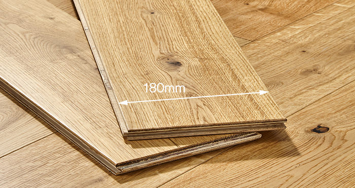 Old Country Natural Oak Lacquered Engineered Wood Flooring - Descriptive 3