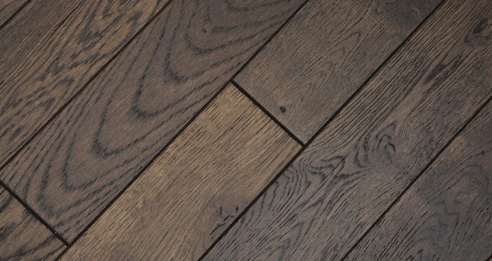 Espresso Oak Brushed & Lacquered Solid Wood Flooring - Descriptive 1