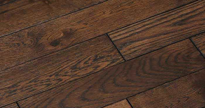 Espresso Oak Brushed & Lacquered Solid Wood Flooring - Descriptive 2
