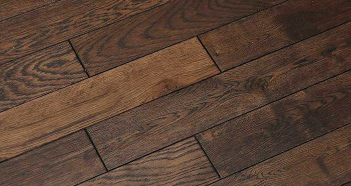 Espresso Oak Brushed & Lacquered Solid Wood Flooring - Descriptive 5