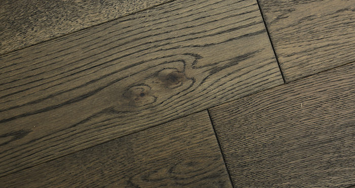 Aged Cottage Oak Brushed & Lacquered Engineered Wood Flooring 125mm - Descriptive 6