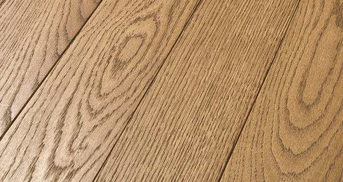 Elegant Cinnamon Oak Brushed & Oiled Solid Wood Flooring - Descriptive 1