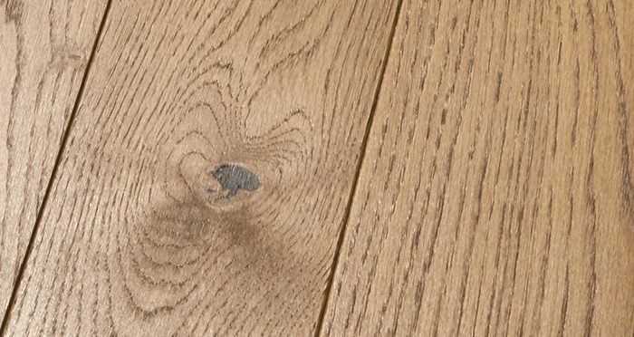 Elegant Cinnamon Oak Brushed & Oiled Solid Wood Flooring - Descriptive 2