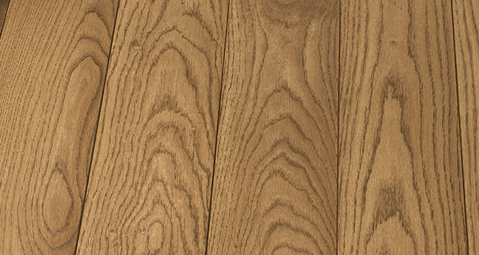 Elegant Cinnamon Oak Brushed & Oiled Solid Wood Flooring - Descriptive 5