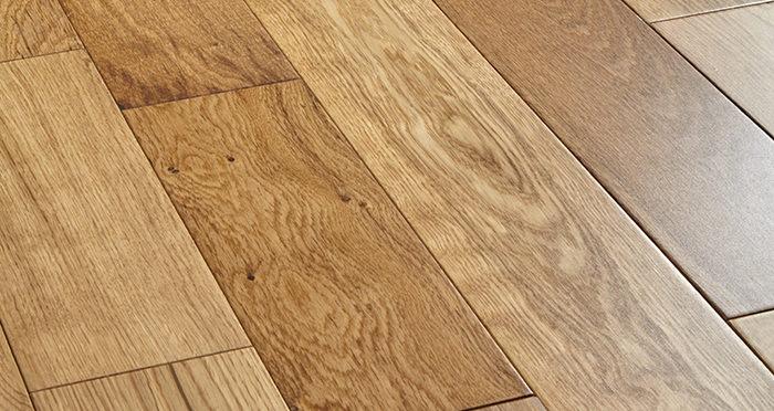 Studio Natural Oak Lacquered Engineered Wood Flooring - Descriptive 1