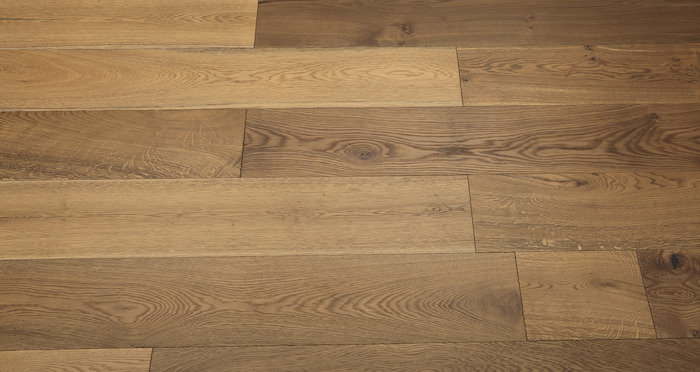 Barn Golden Smoked Oak Brushed & Lacquered Engineered Wood Flooring - Descriptive 3