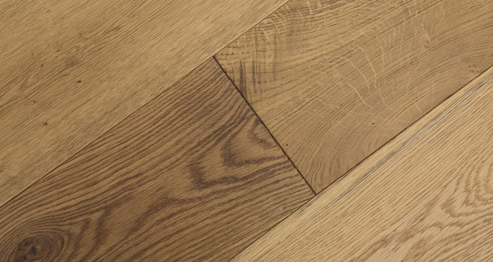 Barn Golden Smoked Oak Brushed & Lacquered Engineered Wood Flooring - Descriptive 4