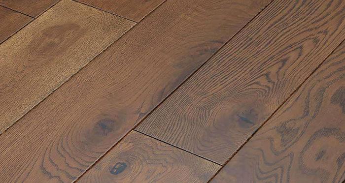 Golden Honey Oak Lacquered Solid Wood Flooring - Descriptive 5