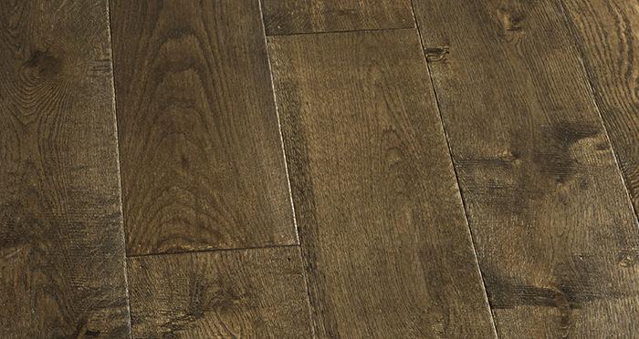 Grand Vintage Oak Distressed Brushed & Lacquered Engineered Wood Flooring - Descriptive 8