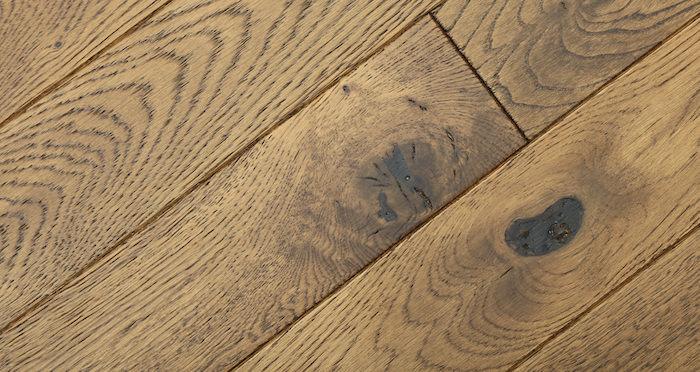 Narrow Caramel Oak Brushed & Lacquered Solid Wood Flooring - Descriptive 2