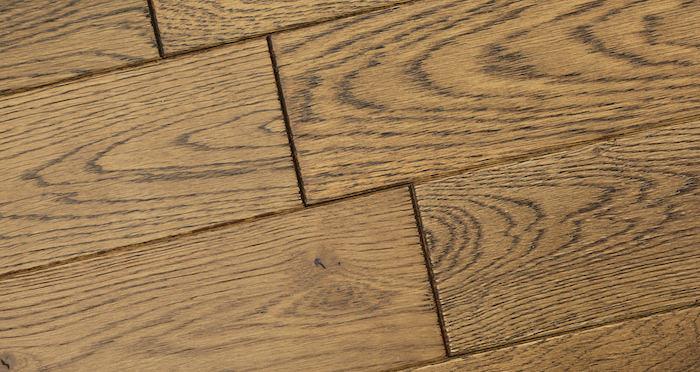 Narrow Caramel Oak Brushed & Lacquered Solid Wood Flooring - Descriptive 4