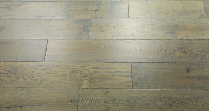 Toulon Chateau Oak Brushed & Oiled Engineered Wood Flooring - Descriptive 2