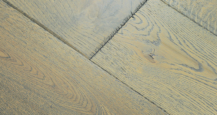 Toulon Chateau Oak Brushed & Oiled Engineered Wood Flooring - Descriptive 4