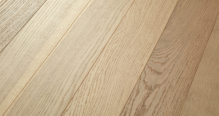 Salcombe Sandy Dune Oak Engineered Wood Flooring - Descriptive 1