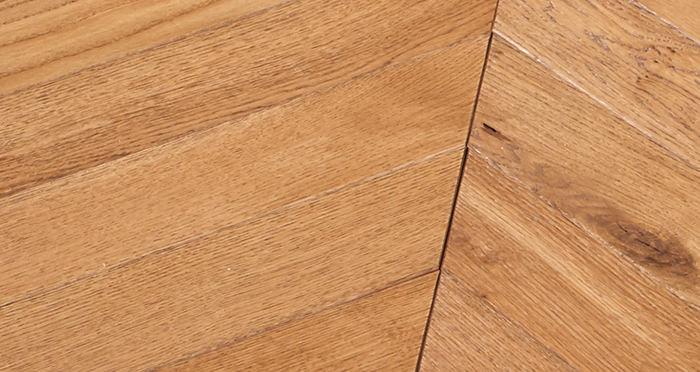 Park Avenue Chevron Cinnamon Oak Brushed & Oiled Solid Wood Flooring - Descriptive 2