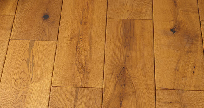 Manor Antique Golden Oak Brushed & Oiled Engineered Wood Flooring - Descriptive 5