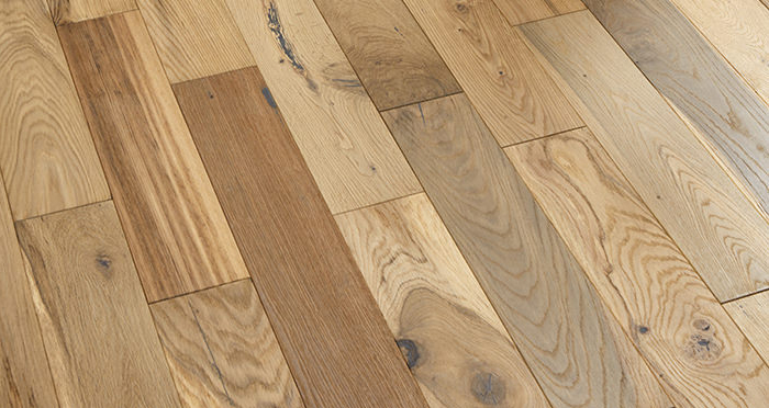 Studio Blonde Oak Brushed & Oiled Engineered Wood Flooring - Descriptive 2
