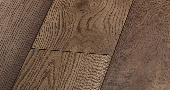 Prestige Chocolate Oak Solid Wood Flooring - Descriptive 4