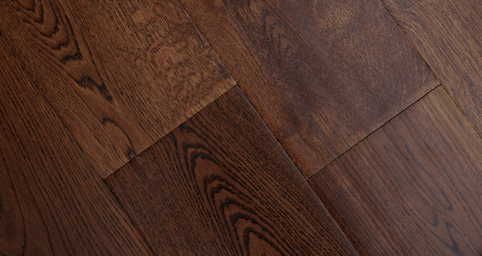 Handscraped Ginger Oak Lacquered Engineered Wood Flooring - Descriptive 2