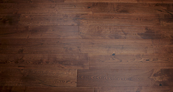 Handscraped Ginger Oak Lacquered Engineered Wood Flooring - Descriptive 5