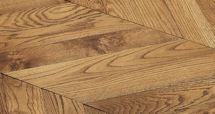 Park Avenue Chevron Golden Oak Brushed & Oiled Solid Wood Flooring - Descriptive 5