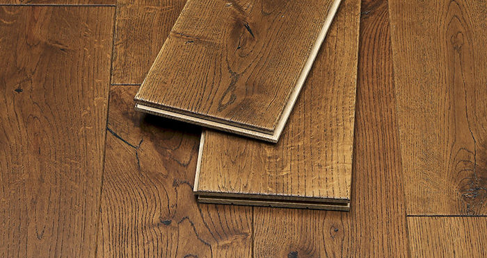Golden Rustic Heritage Oak Brushed & Lacquered Solid Wood Flooring - Descriptive 1