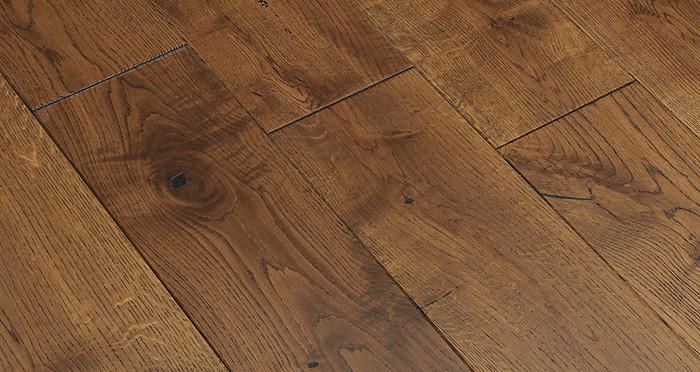 Golden Rustic Heritage Oak Brushed & Lacquered Solid Wood Flooring - Descriptive 2