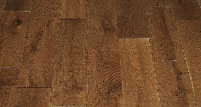 Golden Rustic Heritage Oak Brushed & Lacquered Solid Wood Flooring - Descriptive 4