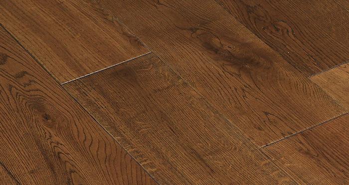 Golden Rustic Heritage Oak Brushed & Lacquered Solid Wood Flooring - Descriptive 5