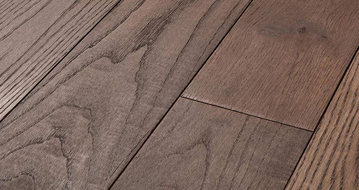 Luxury Chocolate Oak Solid Wood Flooring - Descriptive 1