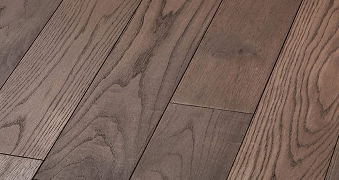 Luxury Chocolate Oak Solid Wood Flooring - Descriptive 4