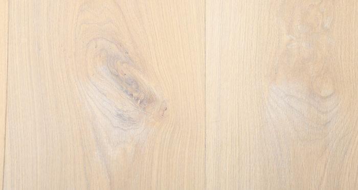 Supreme Frosted Oak Brushed & Oiled Engineered Wood Flooring - Descriptive 3