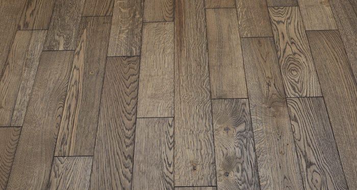 Aged & Rustic Brown Oak Brushed & Oiled Solid Wood Flooring - Descriptive 2